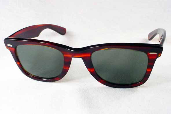 vintage sunglasses : 1960's Ray-Ban Wayfarer by BAUSCH & LOMB